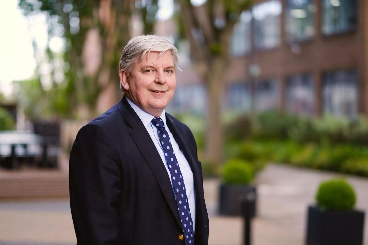 David Richards博士
