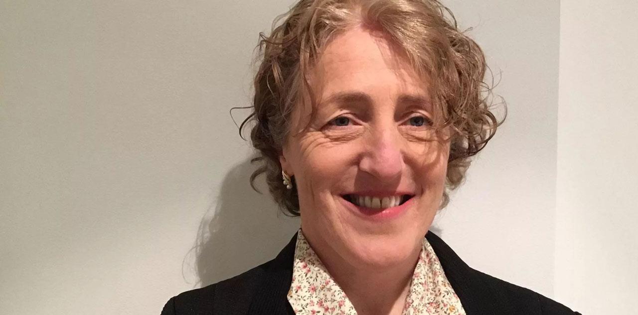 Dr Yvonne Moogan